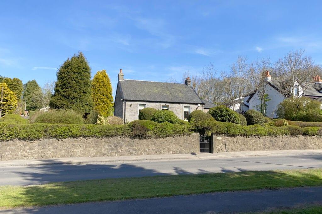 Arden Cottage  Glasgow Road, Hardgate, G81 5QX